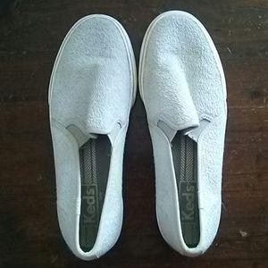 Keds Size 6 Gray/White Slip-on Flat
